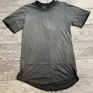 WT02 Gray Vintage look T-shirt Size small long NWT